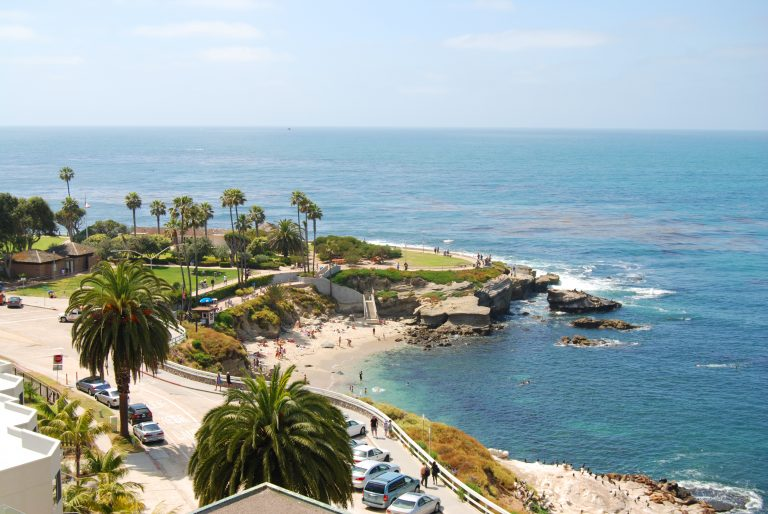 A view of the Pacific Ocean from the shores of La Jolla